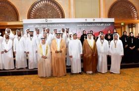 منصور بن زايد يشهد حفل تكريم أصحاب الإنجازات الرياضية لعام 2017