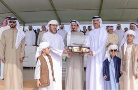 حاكم عجمان يشهد النسخة الرابعة من سباق التجديف بمناسبة اليوم الوطني الـ47