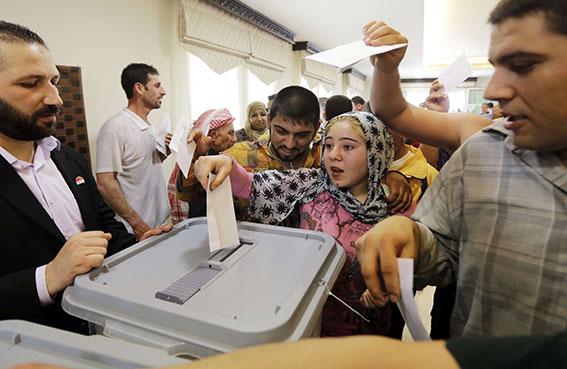 الأسد يستعد لإعادة انتخابه على وقع الحرب