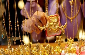 الذهب يرتفع بدعم تراجع الدولار وعزوف المستثمرين