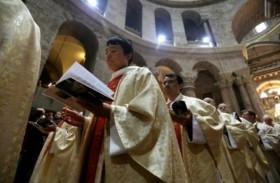 الطوائف الغربية تحتفل  بعيد الفصح في كنيسة القيامة