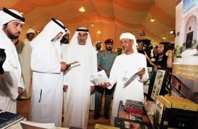 اهتمام لافت بجناح «نادي تراث الإمارات» في «ليوا للرطب»