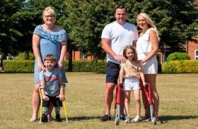 طفل ينجح بجمع مليون جنيه للمستشفى الذي أنقذه