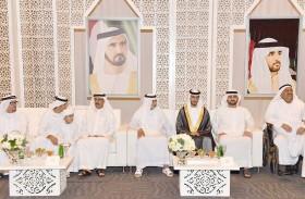 مكتوم بن محمد ونهيان بن مبارك يحضران أفراح بن الشيخ والقيزي في دبي