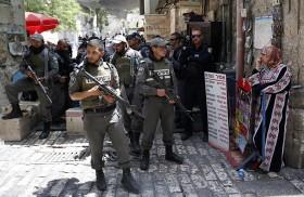 الفلسطينيون يرفضون دخول الأقصى بعد التدابير الإسرائيلية