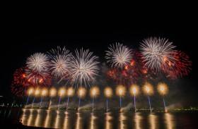الثقافة والسياحة تضيء سماء أبوظبي احتفالا باليوم الوطني الـ 49