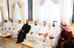 نهيان وحمدان بن مبارك يعزيان في وفاة سلطان سالمين بن حرمل الظاهري