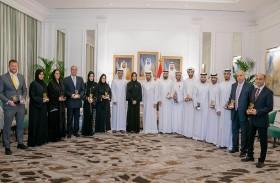 حمدان بن زايد يستقبل الفائزين بجائزة هيئة البيئة أبوظبي والمهنئين بالشهر الفضيل