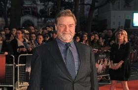 جون غودمان: التزاماتي المستمرة في عالم الأفلام والتلفزيون والمسرح استنزفت قوتي