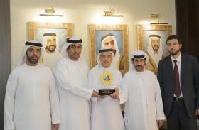 جمعية القوات المسلحة التعاونية تقدم تبرعا لمؤسسة خليفة الإنسانية