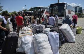 اللاجئون السوريون «عبء» يرهق دول الجوار