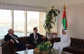 عبيد حميد الطاير يلتقي رئيس وزراء حكومة جيرسي