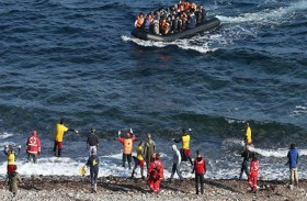 اليونان تعتزم بناء مخيمات جديدة للمهاجرين