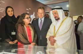 حاكم الشارقة يفتتح معرض «40 عاما من التعاون الآثاري بين الإمارات وفرنسا»