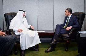 عبدالله بن زايد يلتقي الأمين العام لمنظمة التعاون الإسلامي