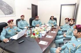 قائد عام شرطة عجمان يتفقد مركز شرطة المنامة الشامل