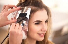 دراسة تحذّر النساء من صبغة الشعر