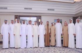 حاكم عجمان يحضر مأدبة غداء أقامها عبدالرحمن الشرفاء