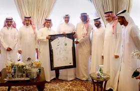 الرميثي يُقيم مأدبة غداء على شرف رئيس وأعضاء الاتحاد السعودي لكرة القدم