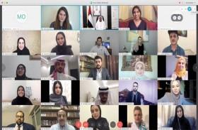 نهيان بن مبارك يلتقي الشباب العربي المشارك في دورة فرسان التسامح