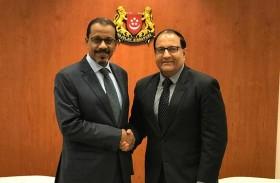 الإمارات وسنغافورة تبحثان العلاقات  الثنائية والتعاون بمجالات التجارة والصناعة