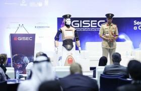 انضمام أول شرطي آلي إلى شرطة دبي