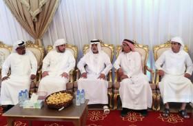 نهيان بن مبارك يقدم واجب العزاء لذوي الشهيدين زايد العامري وصالح بن عمرو