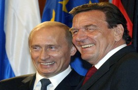 أوكرانيا تدعو إلى فرض عقوبات على شرودر
