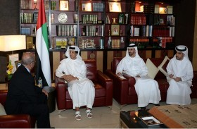 منصور بن زايد يستقبل وزير الخارجية الجزائري