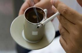 نصيحة لمرضى  الحموضة بتجنّب القهوة والتدخين