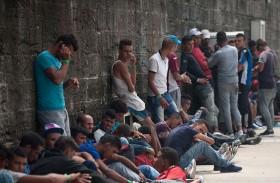 إجلاء جديد لمخيمات المهاجرين في شمال باريس
