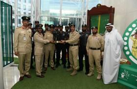 اللواء المري يتسلم درع تحدي الإمارات للفرق التكتيكية 2020