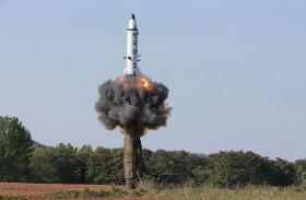 ترامب يصف الزعيم الكوري الشمالي بأنه «مجنون يملك أسلحة نووية»