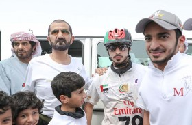 محمد بن راشد يشهد السباق الرئيسي لمهرجان ولي عهد دبي للقدرة