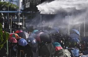 متظاهرون يتحصنون في جامعة بهونغ كونغ