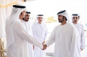 خليفة بن طحنون يقدم واجب العزاء في وفاة والدة الشهيد محمد عبد العزيز الحمادي