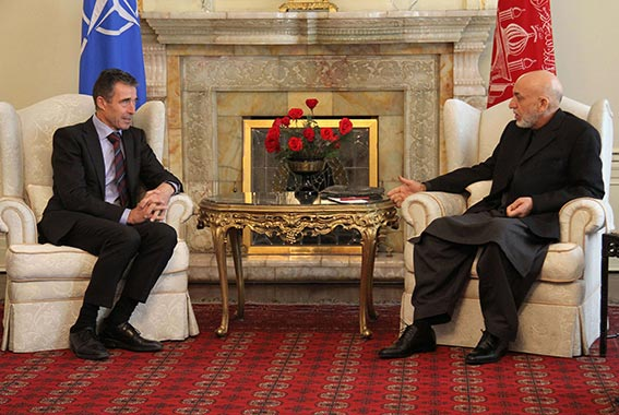 راسموسن يبدأ زيارة مفاجئة إلى كابول .. مسؤول سابق يهاجم سياسة أوباما بأفغانستان