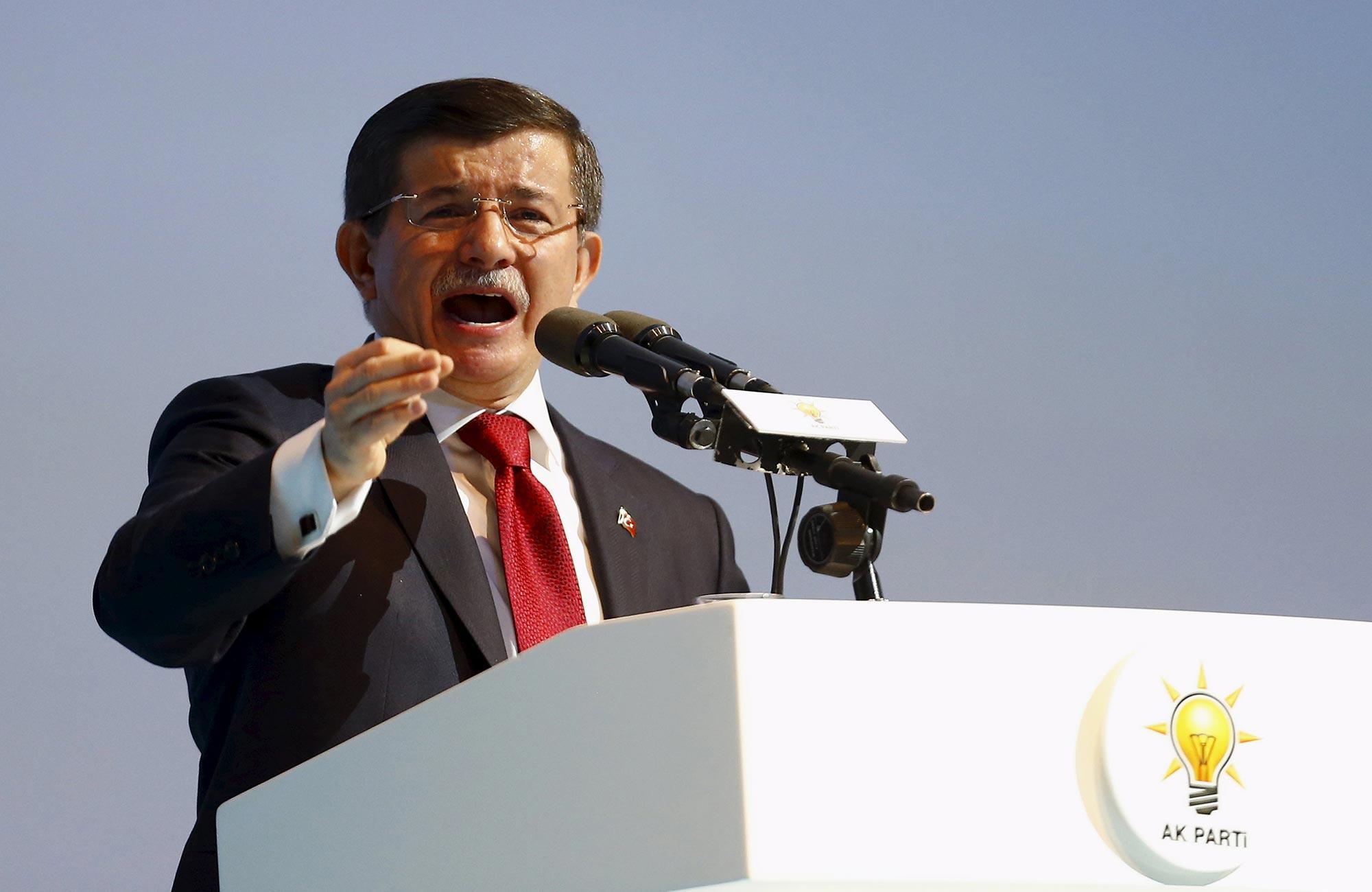 الحزب الحاكم في تركيا  يعد بنظام رئاسي
