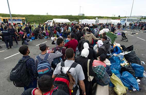 المانيا تضبط حدودها بعد أن فاضت باللاجئين