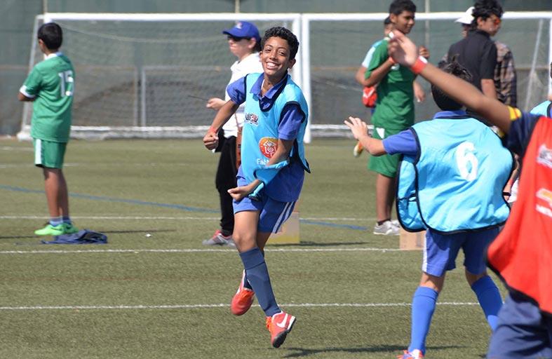 اللاعبون الإماراتيون يصلون الى النجومية في كأس مدارس دبي