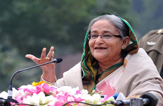 رئيسة وزراء بنغلادش تقدم حكومتها