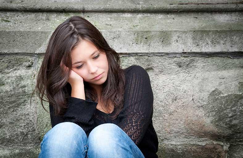 اكتئاب البالغين سببه التنمر