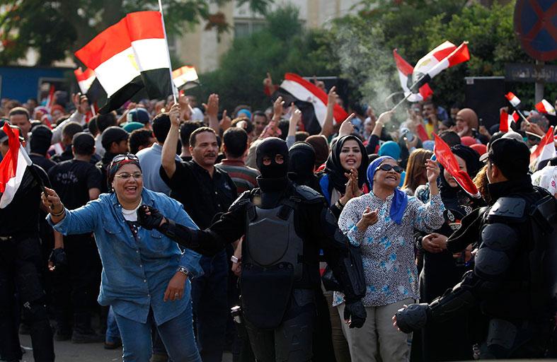 المصريون يصوتون للحلم والأمل