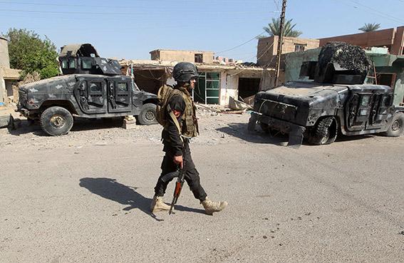 داعش يكسب مليوني دولار يومياً من النفط