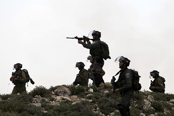 جيش الاحتلال يداهم عدة مدن بالضفة