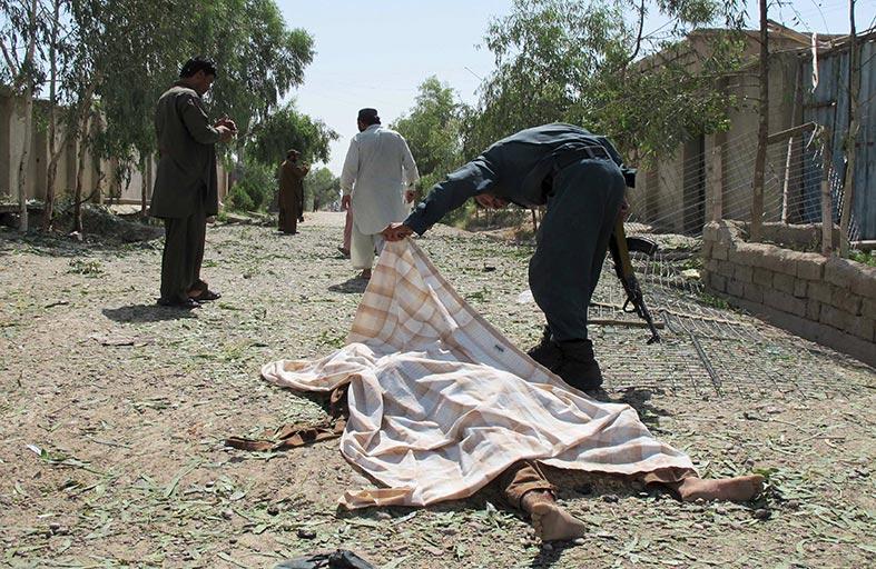 عشرات الضحايا بهجوم انتحاري في هلمند