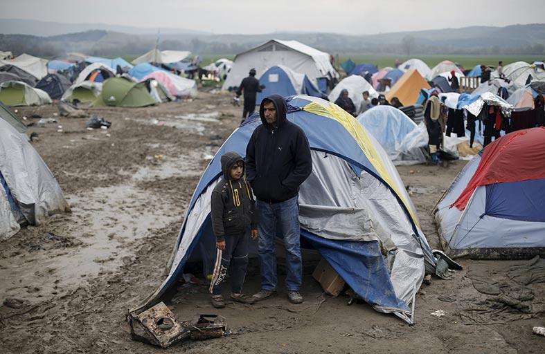 مفاوضات صعبة مع تركيا لوقف تدفق اللاجئين