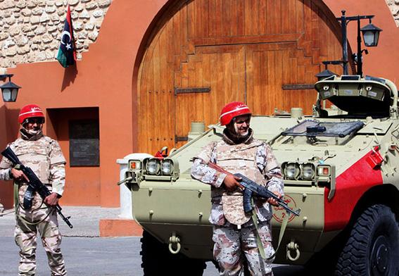 الجيش الليبي ينتشر بطرابلس لحماية المنشآت