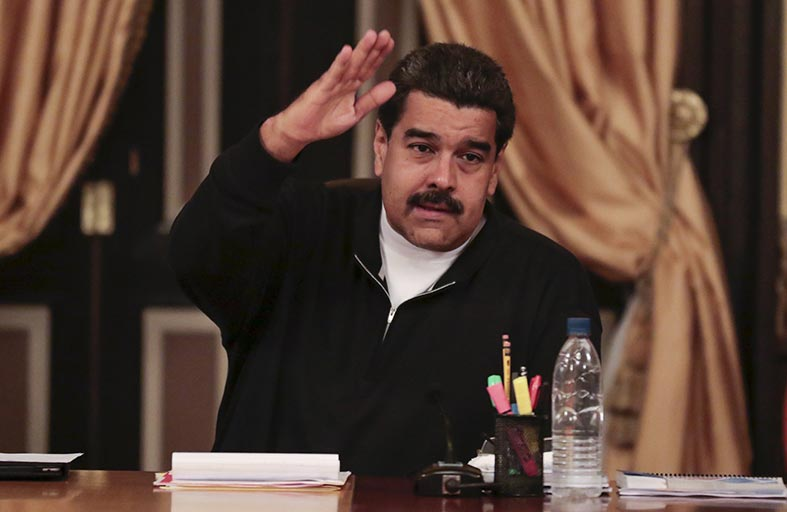 الرئيس الفنزويلي يتهم المعارضة بزعزعة الاستقرار