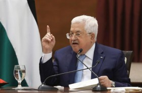 الحكومة الفلسطينية تدعم قرار عباس بالخروج من الاتفاقات مع إسرائيل
